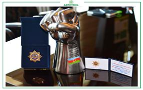 Генеральный директор Azpetrol Джейхун Мамедов был награжден юбилейным нагрудным знаком «115 лет» за заслуги перед профсоюзным движением.