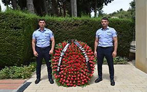 Компания «Азпетрол» в честь своего дня рождения посетила могилу Общенационального лидера Гейдара Алиева