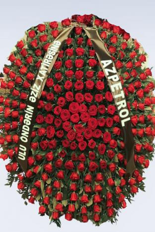 """Компания """"Azpetrol"""" с большим уважением поминает Великого Вождя Гейдара Алиева"""
