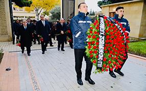 12 декабря - день памяти общенационального лидера Гейдара Алиева.